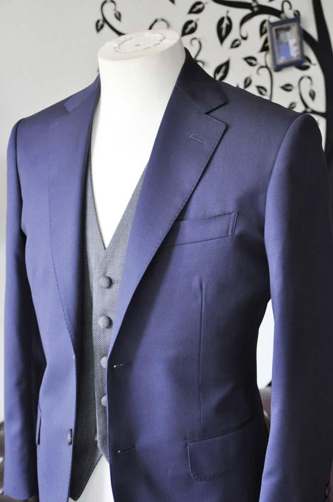 DSC0532-4 お客様のウエディング衣装の紹介- Biellesiネイビースーツ グレーバーズアイベスト-DSC0532-4 お客様のウエディング衣装の紹介- Biellesiネイビースーツ グレーバーズアイベスト- 名古屋市のオーダータキシードはSTAIRSへ