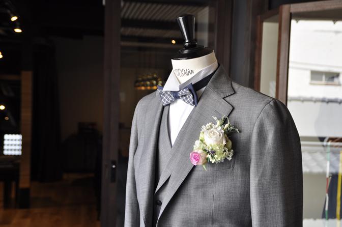 DSC0133-3 オーダータキシード(新郎衣装)の紹介-CANONICO 無地グレージャケット、ダブル襟付きベスト-DSC0133-3 オーダータキシード(新郎衣装)の紹介-CANONICO 無地グレージャケット、ダブル襟付きベスト- 名古屋市のオーダータキシードはSTAIRSへ