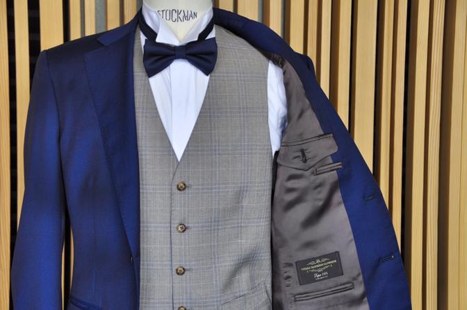 DSC1270 リサージュ四季の抄挙式 スーツスタイルDSC1270 リサージュ四季の抄挙式 スーツスタイル 名古屋市のオーダータキシードはSTAIRSへ