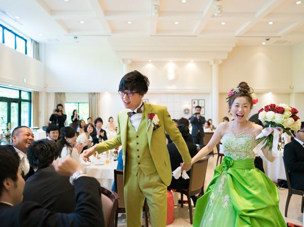 花遊庭挙式 I様 オールグリーンの衣装