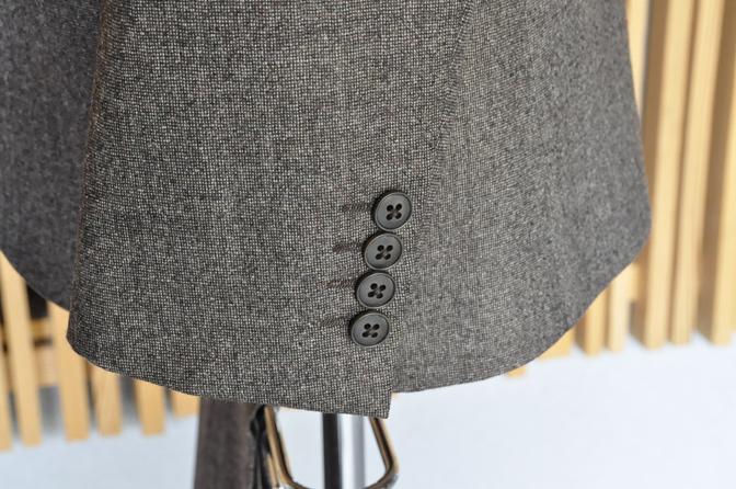 DSC0252 タキシードの紹介 オランジュベール挙式 H様 ブラウンスーツ ダークブラウンベストDSC0252 タキシードの紹介 オランジュベール挙式 H様 ブラウンスーツ ダークブラウンベスト 名古屋市のオーダータキシードはSTAIRSへ